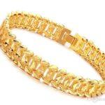 Comment porter des bijoux de façon élégante